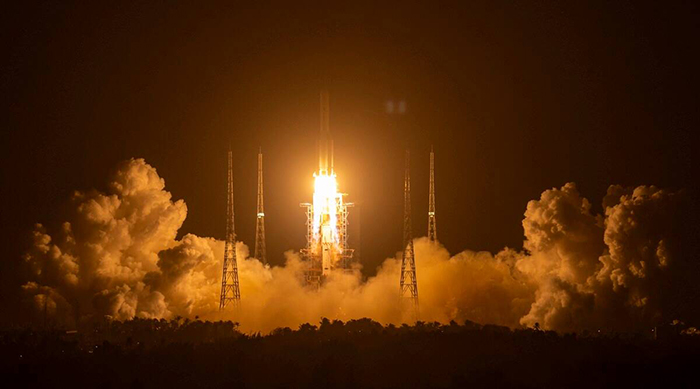 Chinese space craft lifts off to earth with sample from moon