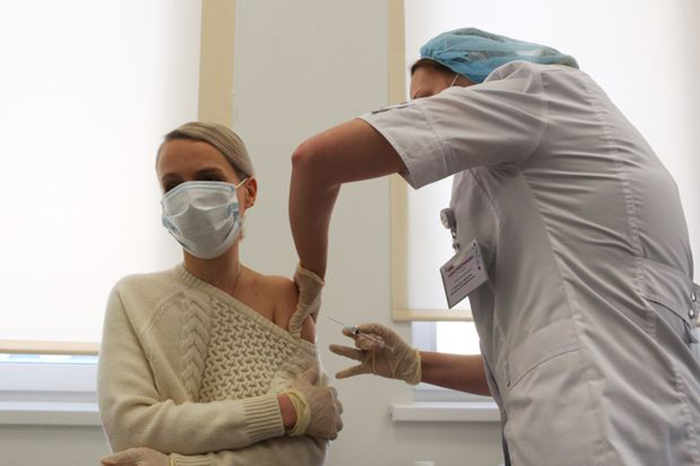 Russia begins mass vaccination campaign